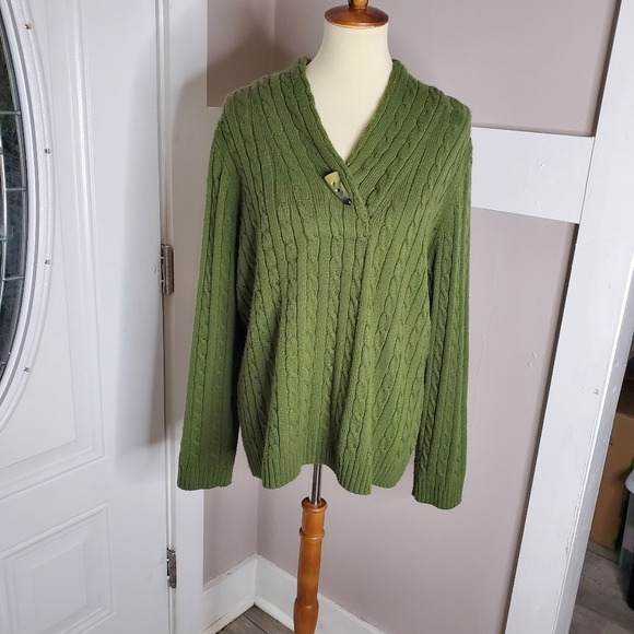 Green Cable Knit Sweater sz Lg